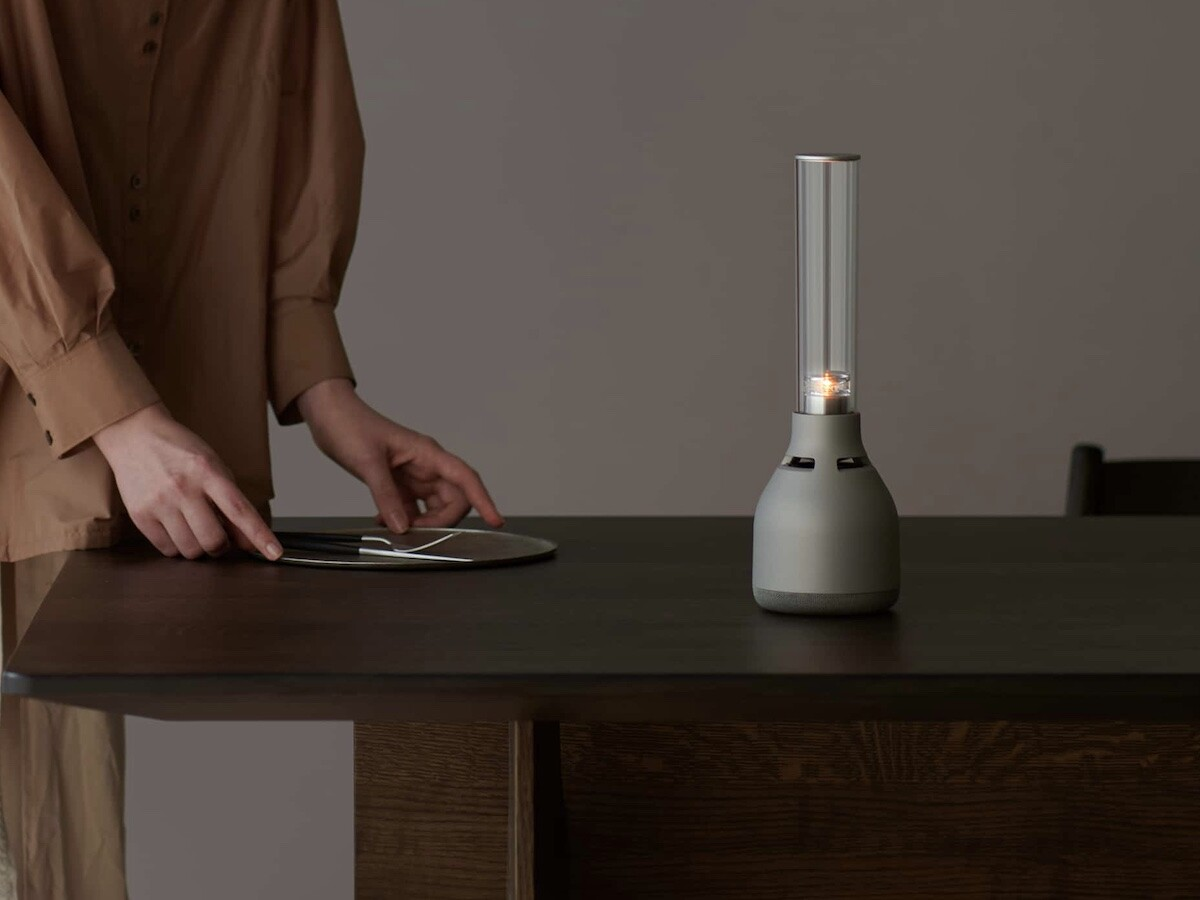 Sony LSPX-S3 glass sound speaker provides 360° sound and has a candle-like LED light