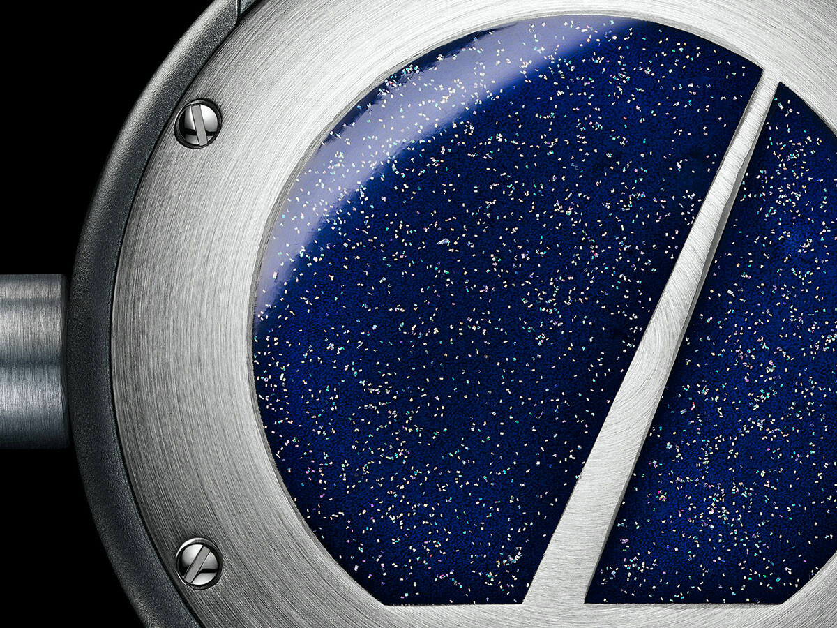 "URWERK UR-102 ""GAÏA"" unique luxury watch merges metal aluminum with noble platinum"