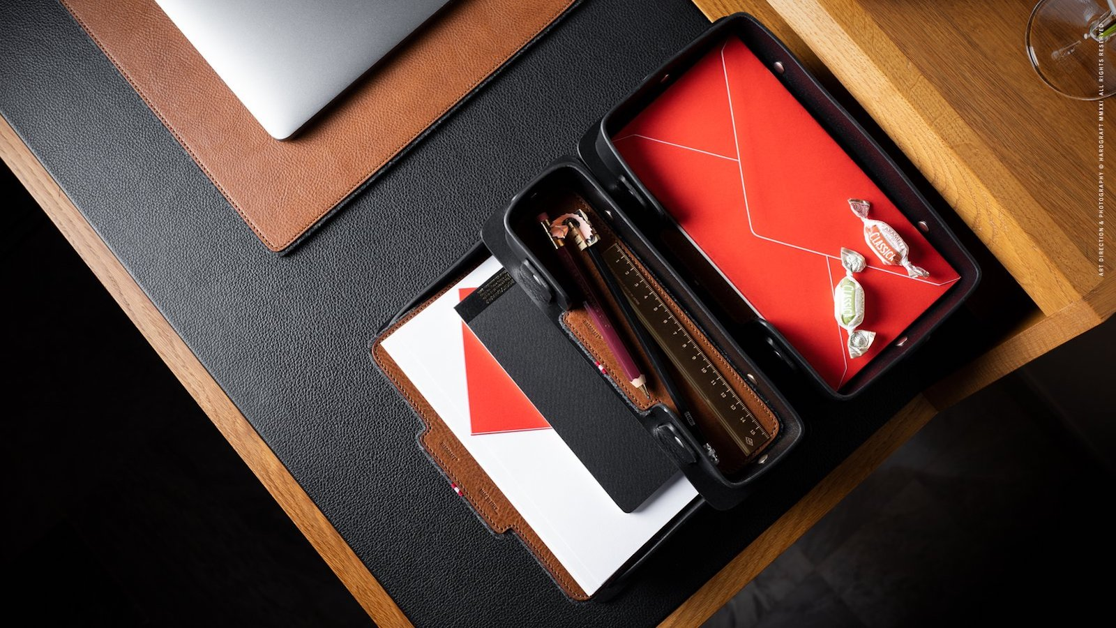hardgraft Inbox Tray Trio desk organizer boasts 3 leather trays for office essentials