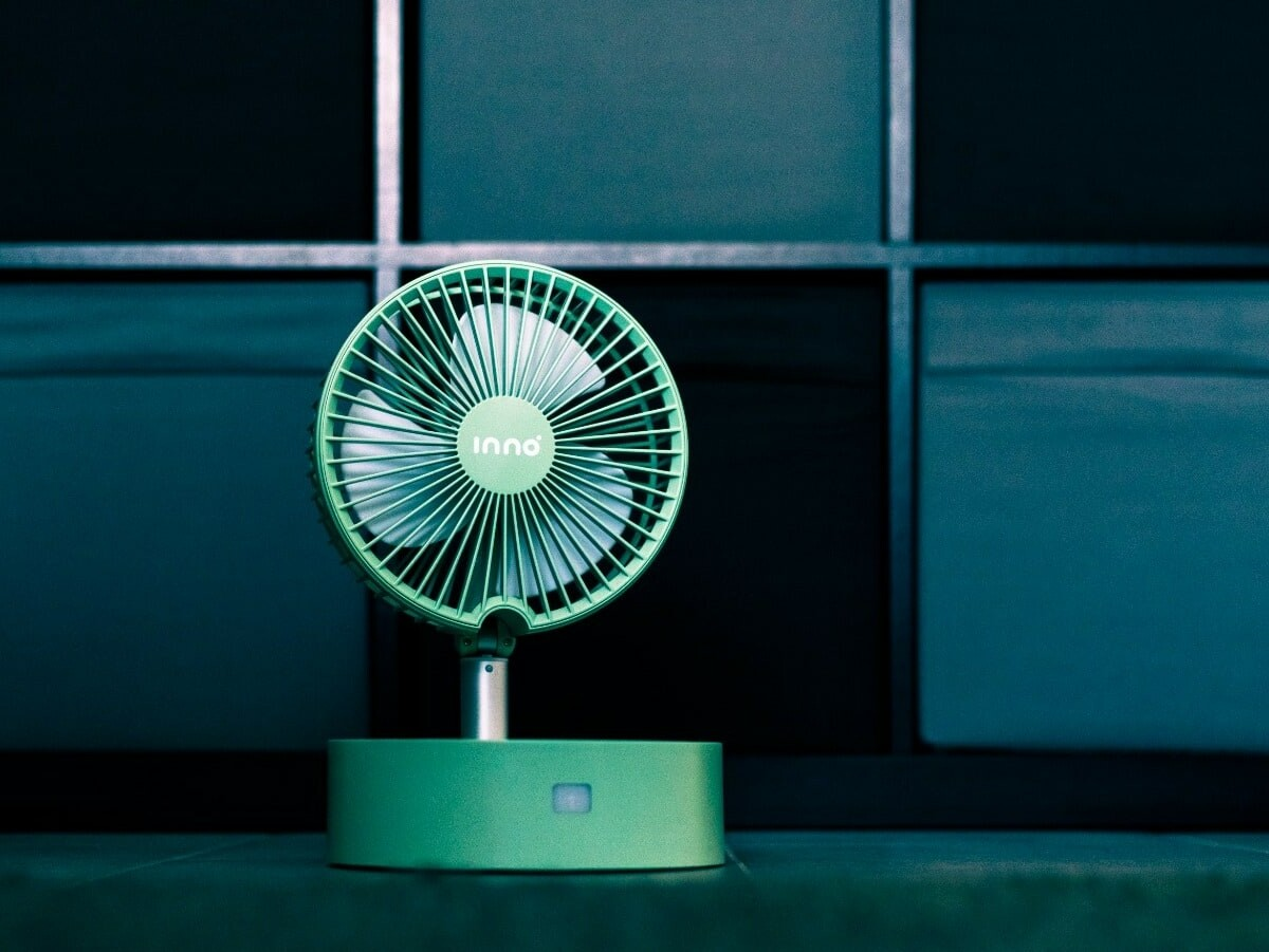 inno portable, stylish fan has a foldable design, built-in diffuser, and long battery life thumbnail