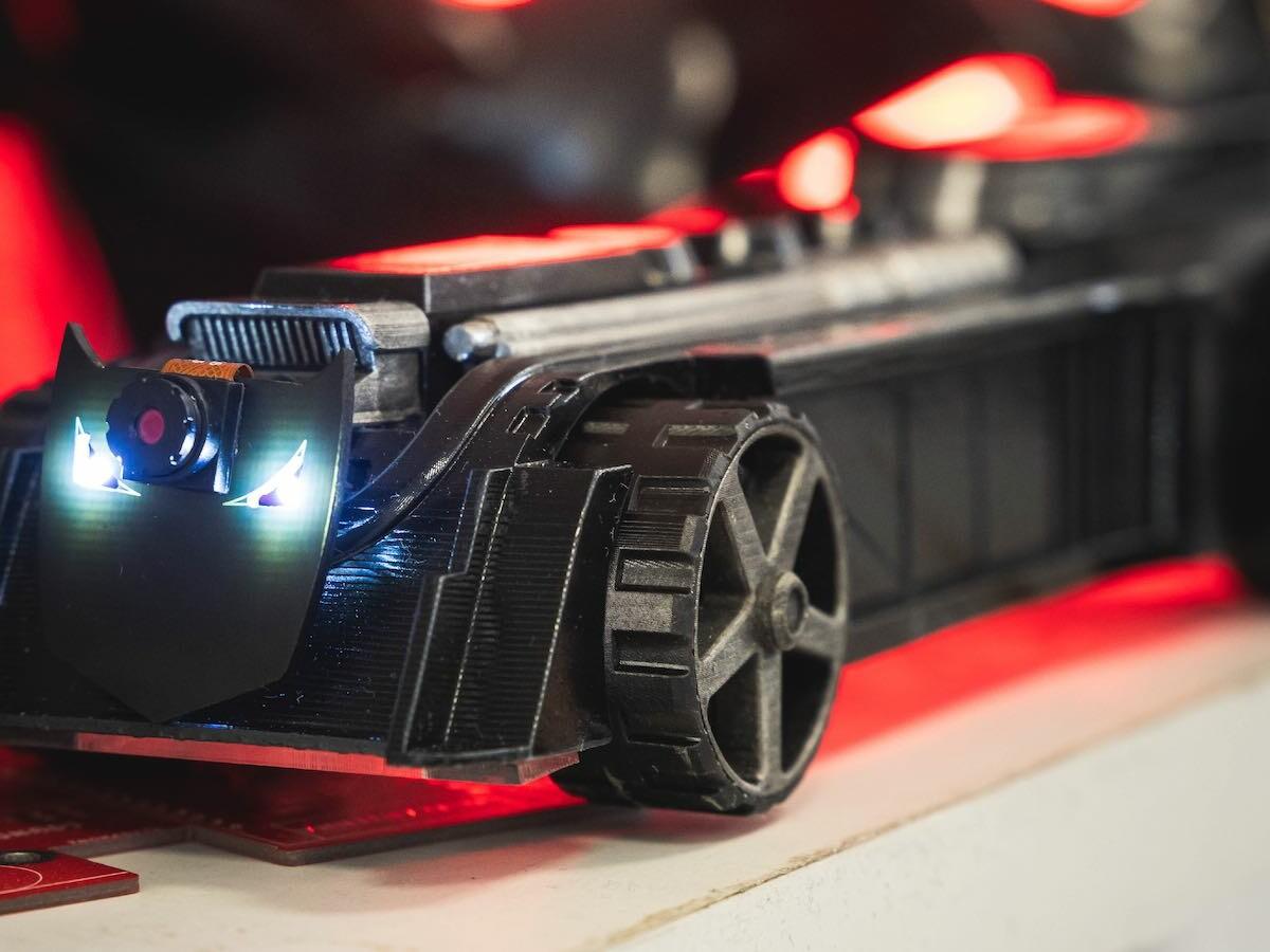 CircuitMess Batmobile™ AI-powered DIY kit teaches you the most cutting-edge technologies