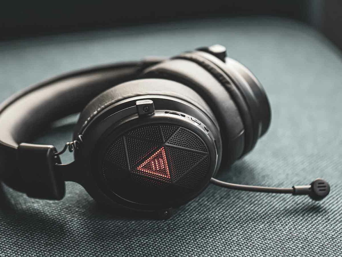 EKSA E910 5.8 GHz wireless gaming & music headset boasts ENC for better immersion