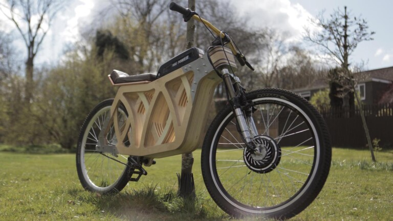 Evie Bee Designs Electraply wooden eBike features sustainably sourced poplar plywood