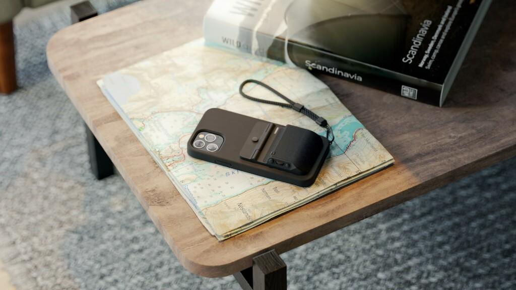 Fjorden iPhone camera grip