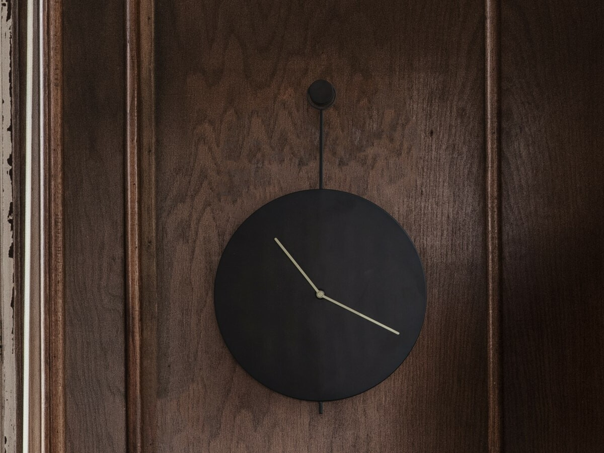 Gessato Trace Wall Clock exudes elegance with its modern design and minimalist lines