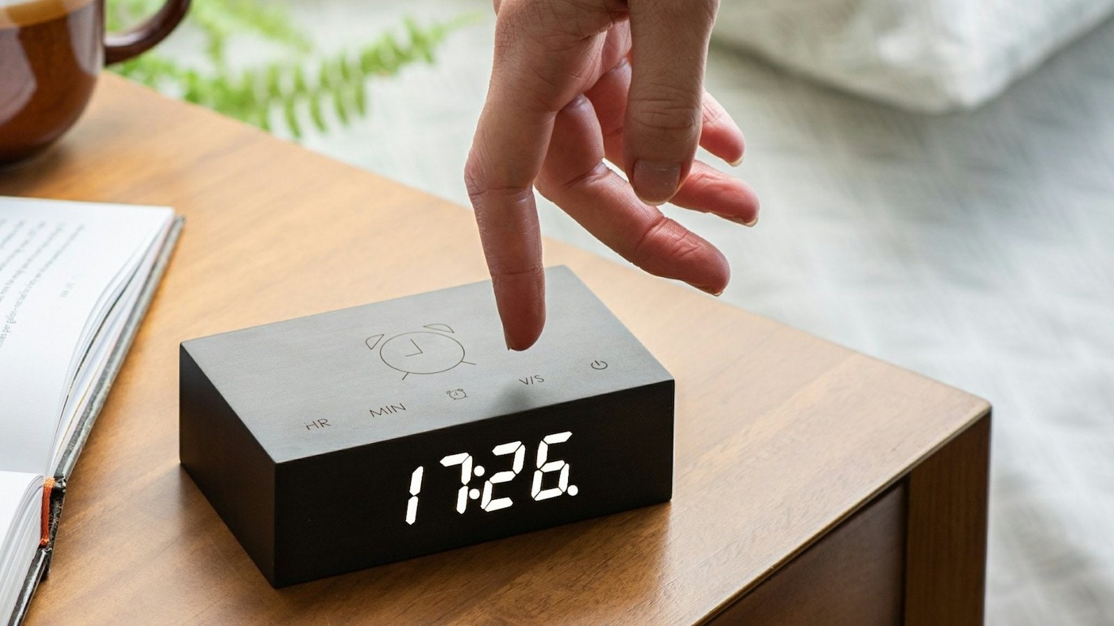 Gingko-Flip-Click-Clock-01.jpeg