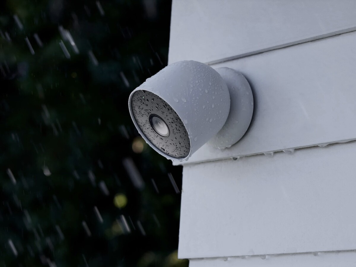 Google Nest Cam (battery) smart home security camera comes with wire-free installation