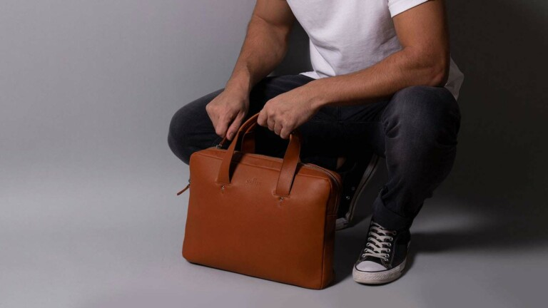 Harber London Everyday Travel-Friendly Leather Briefcase has double padding for protection