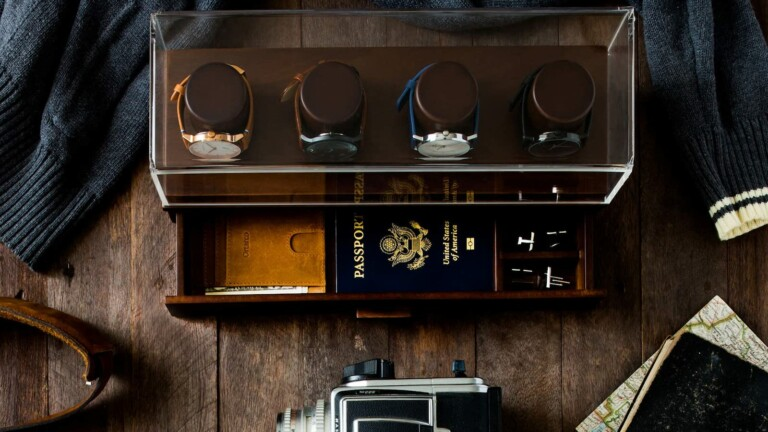 Holme & Hadfield Watch Box Organizer and Valet Tray keeps your jewelry on display