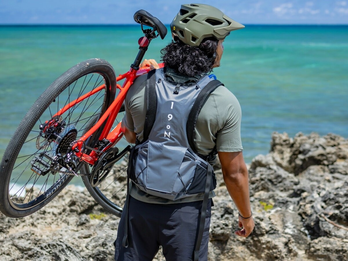 Honu NASA-inspired cooling backpack uses over 60′ of tubing to keep you up to 20ºcooler