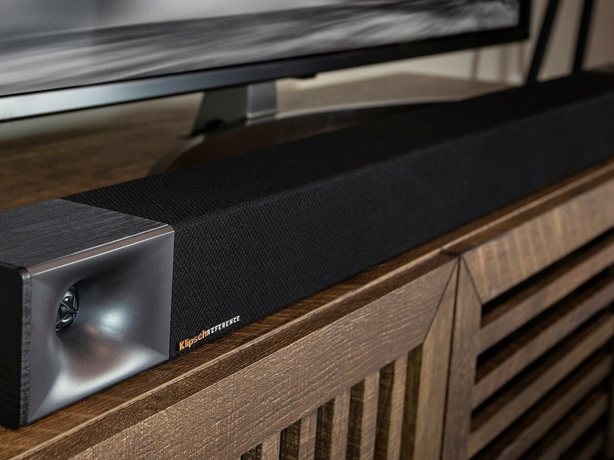 Klipsch Cinema 600 Sound Bar with wireless subwoofer has true left and right speakers