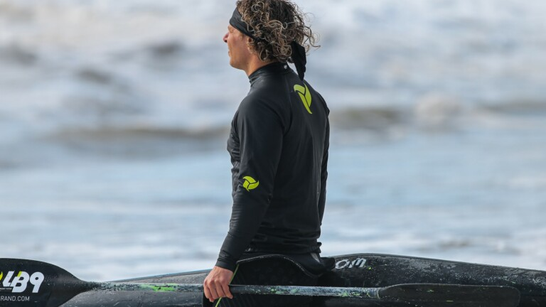 LB9 Brand Hydrowarm Long-Sleeve Dry Top is made of stretchy fabric for freedom of movement