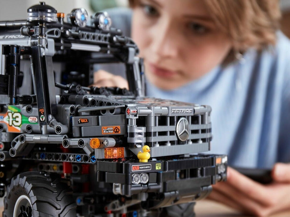 LEGO Technic 4×4 Mercedes-Benz Zetros Trial Truck building set works with a connected app