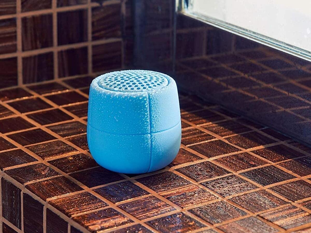 Lexon Mino X 3W floating Bluetooth speaker is unsinkable, making it a great pool accessory