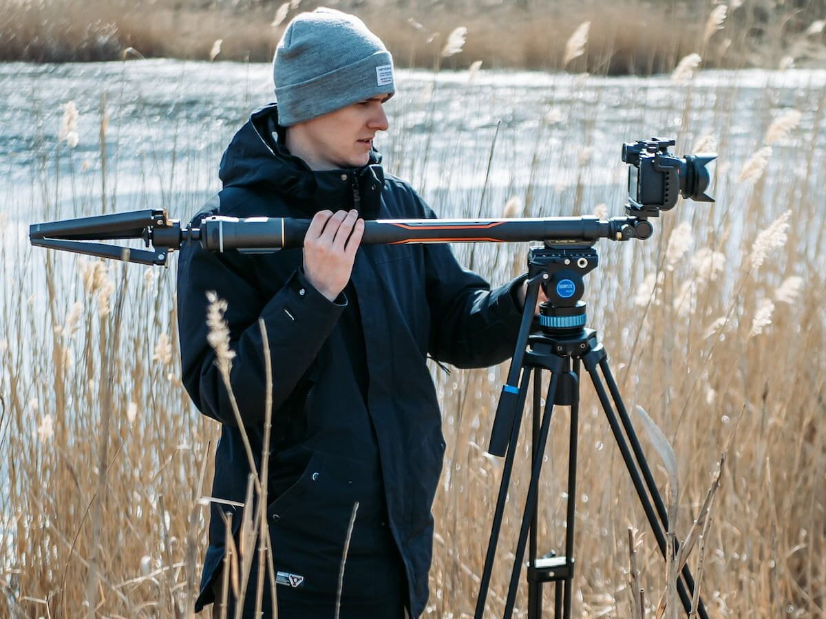 MOZA Slypod Pro 3-in-1 monopod has a weatherproof design and is super lightweight thumbnail