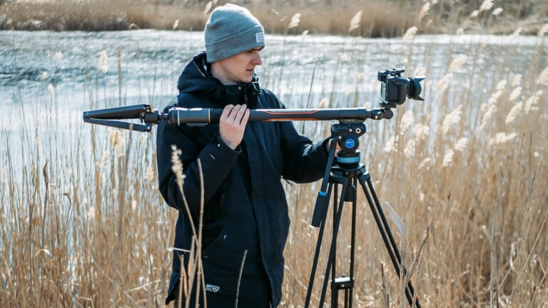 MOZA Slypod Pro 3-in-1 monopod has a weatherproof design and is super lightweight