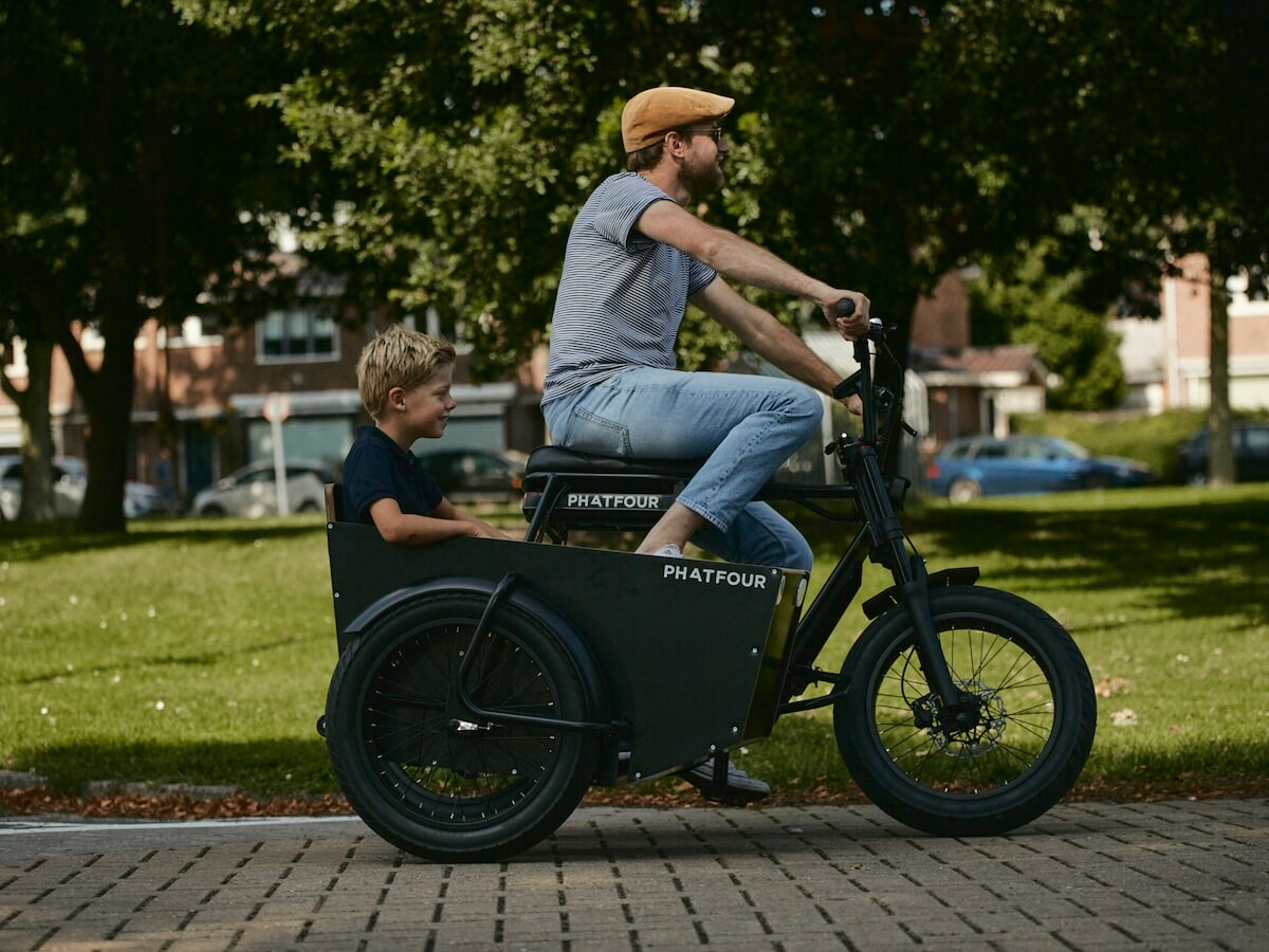 Phatfour eBike With a Detachable 50 kg Capacity Sidecar is a fun way to carry pets or kids