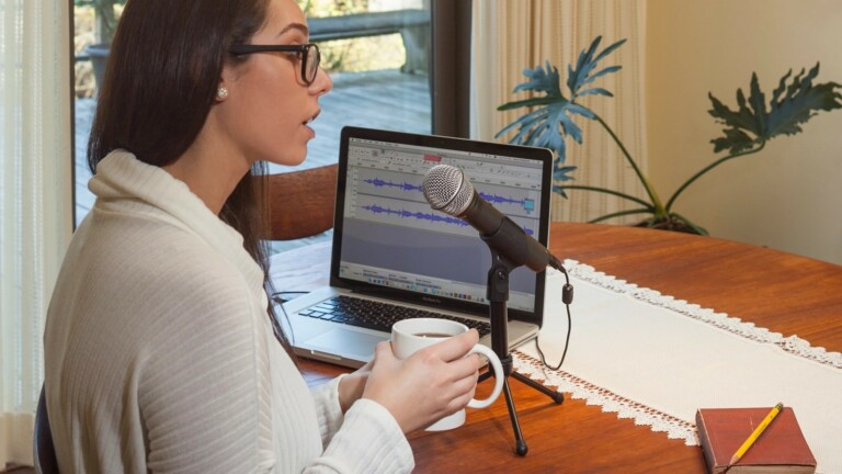 Samson Q2U Dynamic Mic recording & podcasting pack just plugs in and plays with ease