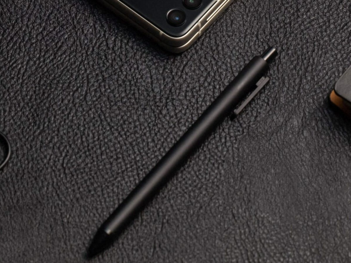 Samsung S Pen Fold Edition smartphone stylus has a retractable Pro tip and low latency