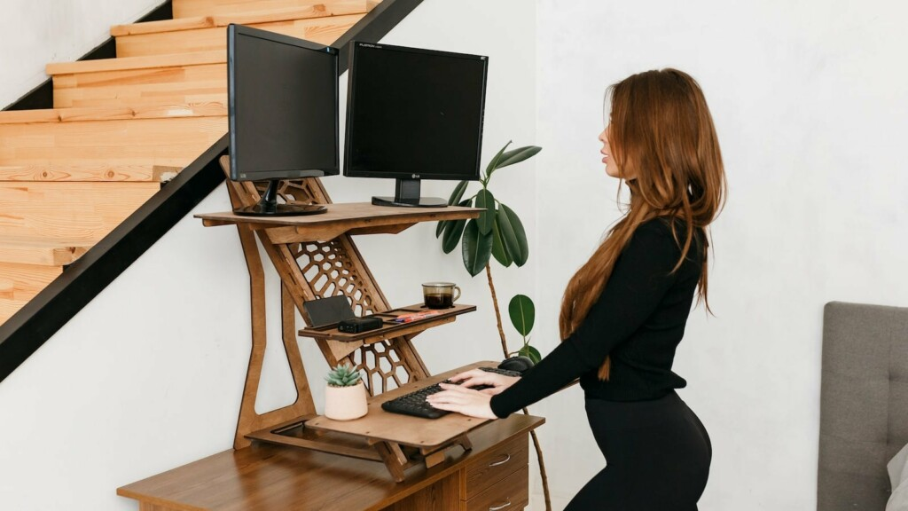 Solutions 4 life UA Modern Standing Desk