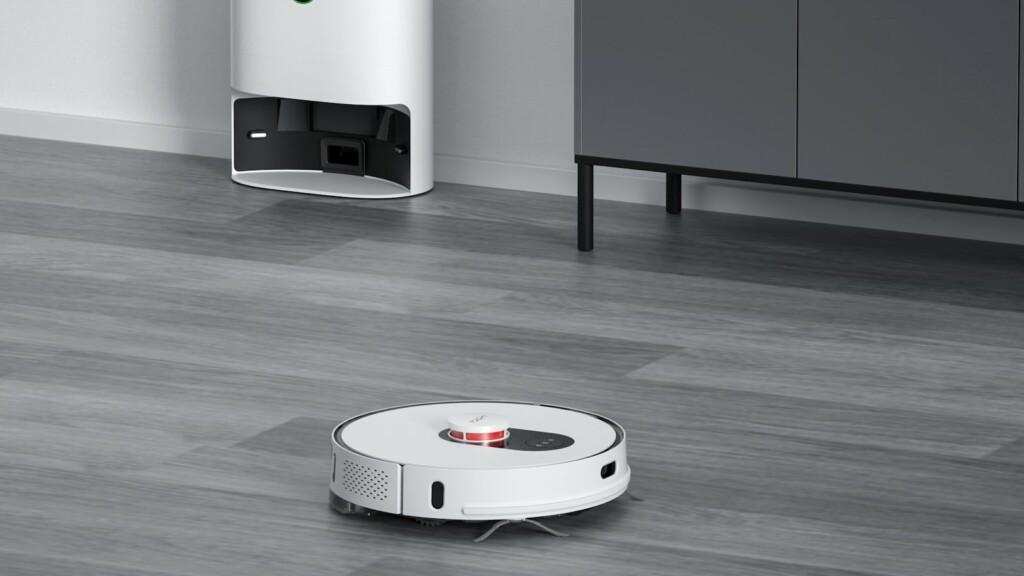 Xiaomi ROIDMI Eve Plus self-sterilizing and self-emptying robot vacuum