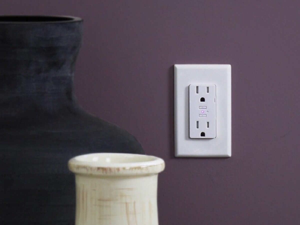 iDevices Smart Wall Outlet connects to Wi-Fi and is compatible with HomeKit and Alexa