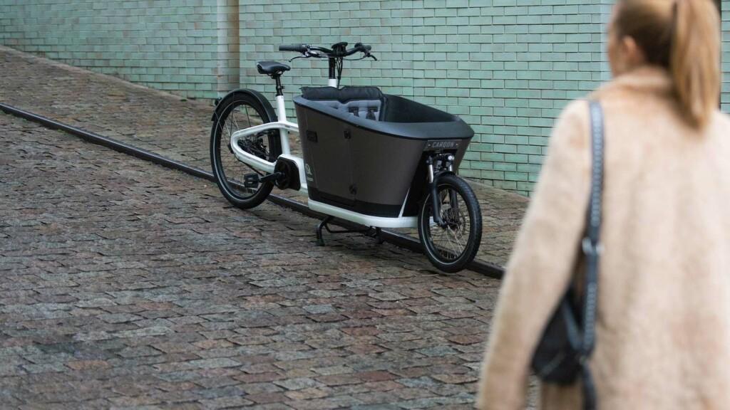 Carqon Classic electric family cargo bike