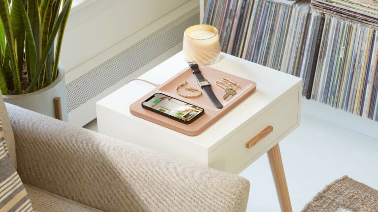 Courant CATCH:3 ESSENTIALS wireless charger and tray charges devices and organizes items