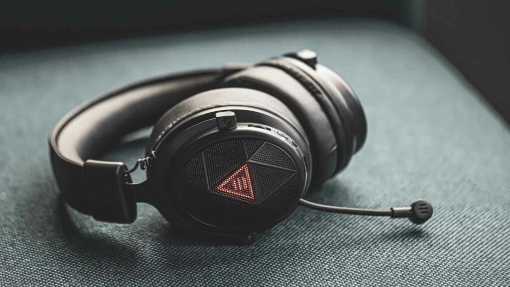 EKSA E910 5.8 GHz wireless gaming & music headset