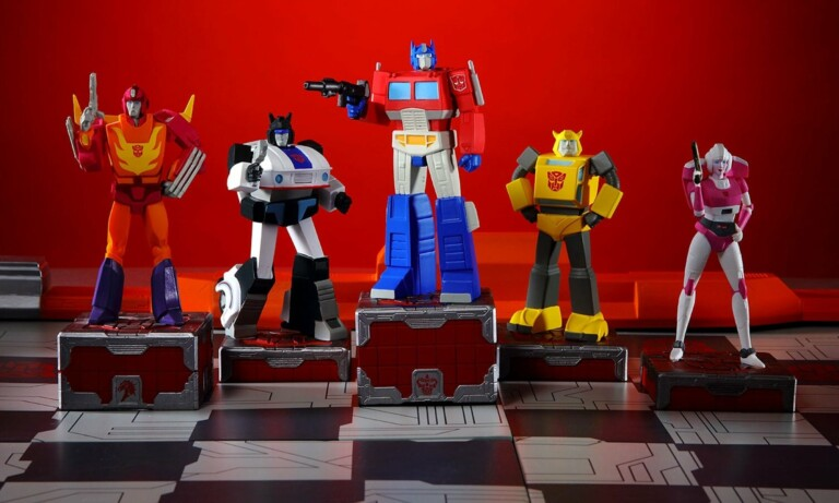 If you're a collector, you're going to love this hand-painted Transformers Gen-1 chess set