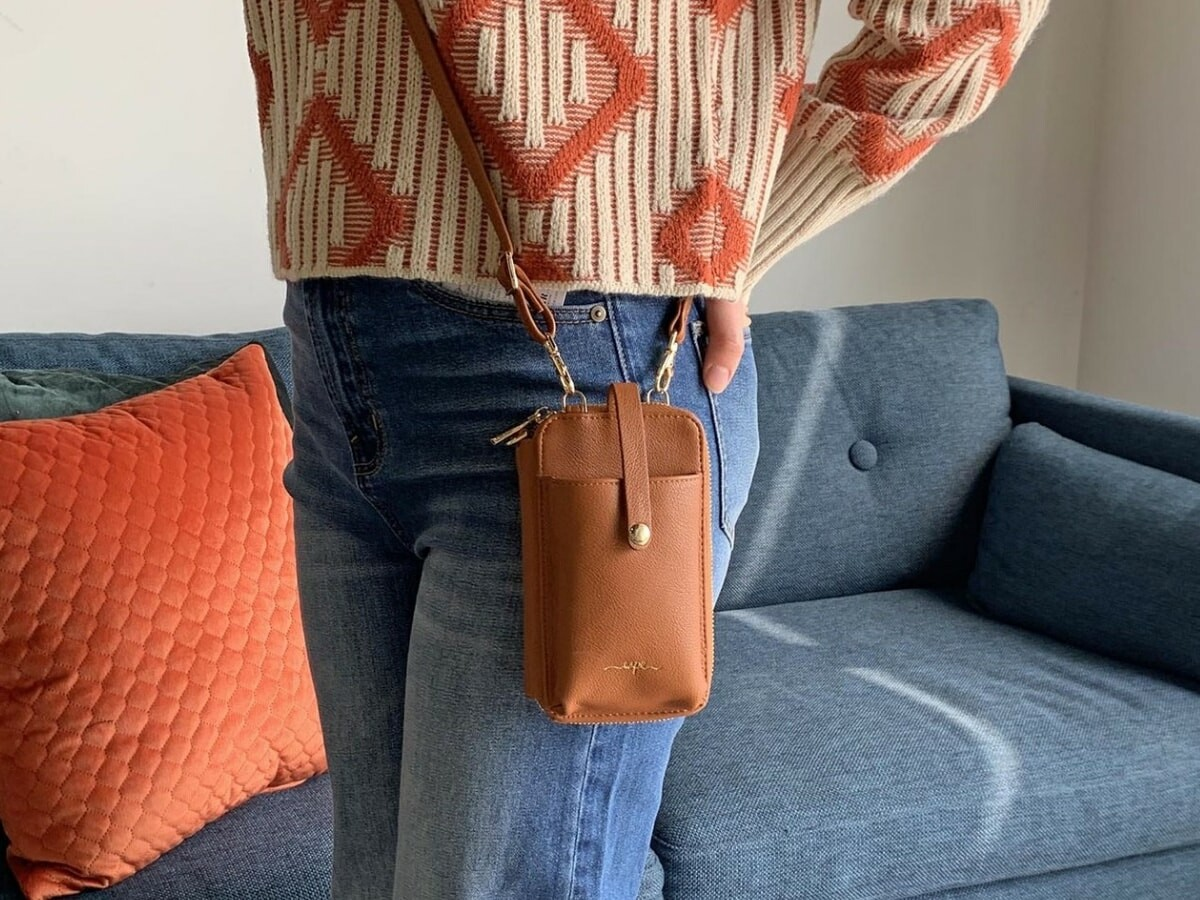 Espe Pastel Smartphone Pouch fits your phone and all of your cards with a crossbody strap thumbnail