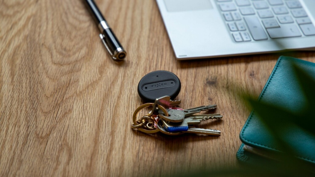FIXED Sense Smart Multifunctional Keychain Tracker