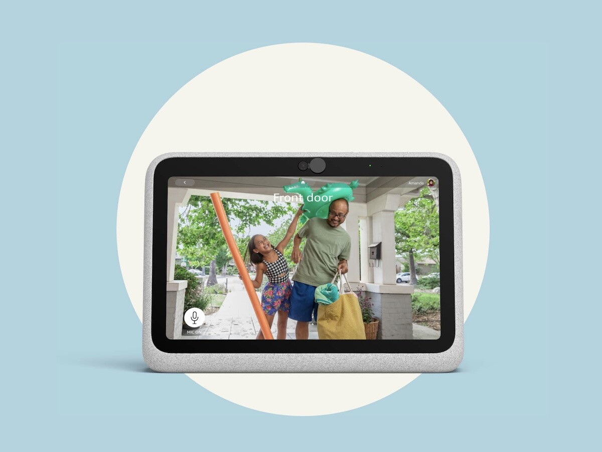 Facebook Portal Go video-calling device has a camera that automatically pans and zooms