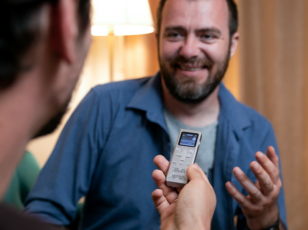 FirstRec easy-to-use voice recorder is simple so you don't need any experience to use it
