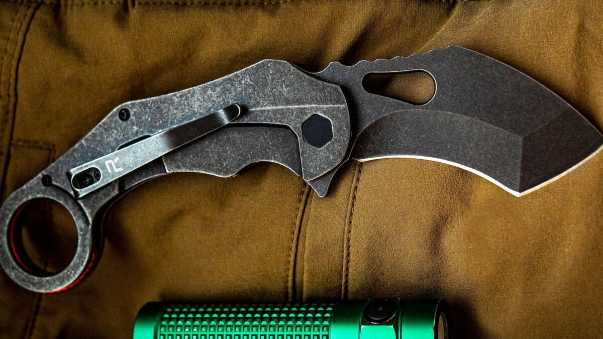 This multiuse knife boasts one-handed deployment and a curved blade