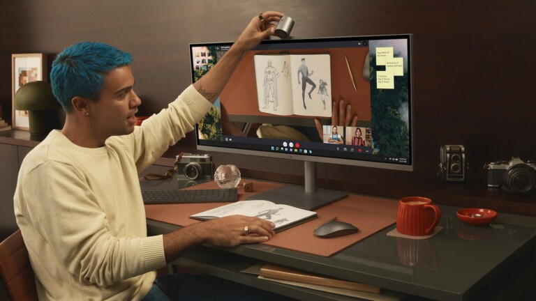 HP ENVY 34-Inch All-In-One Desktop PC includes a detachable, magnetic 16 MP camera