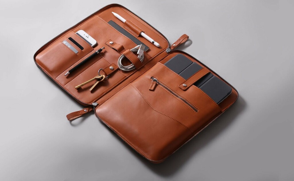 Harber London NOMAD leather iPad Pro organize