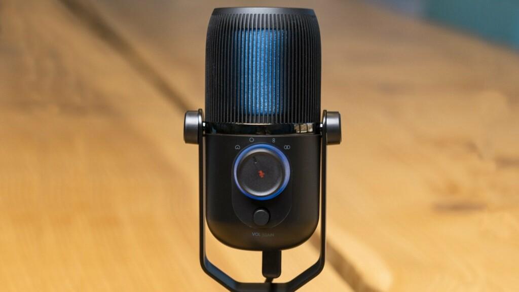 Jlab Talk USB plug and play microphone