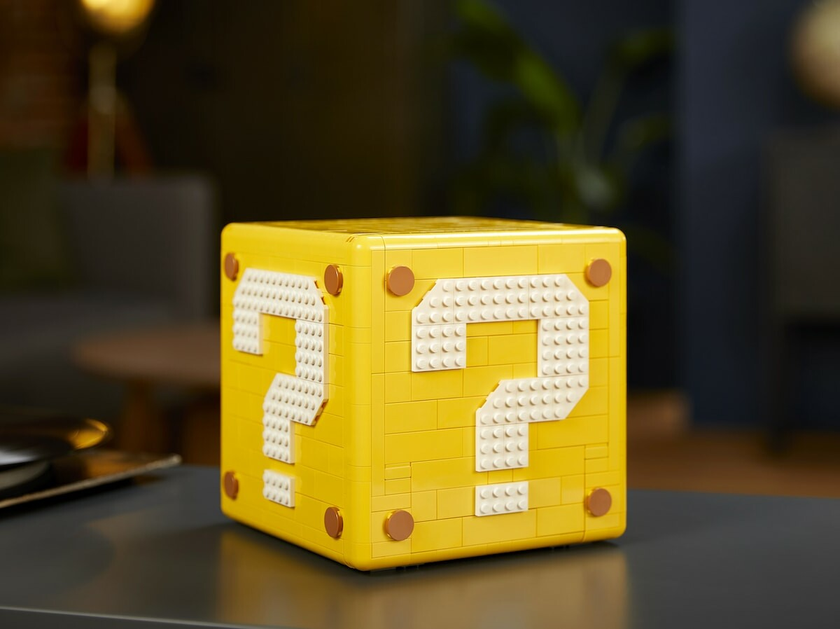 LEGO Super Mario 64 Question Mark Block building kit opens to reveal microscale levels