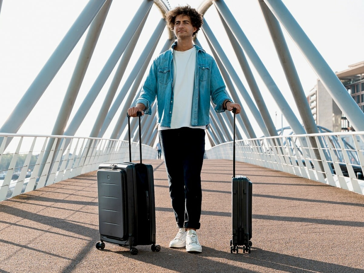 LITO foldable suitcase comes in 2 sizes that save up to 2.5 times more storage space thumbnail