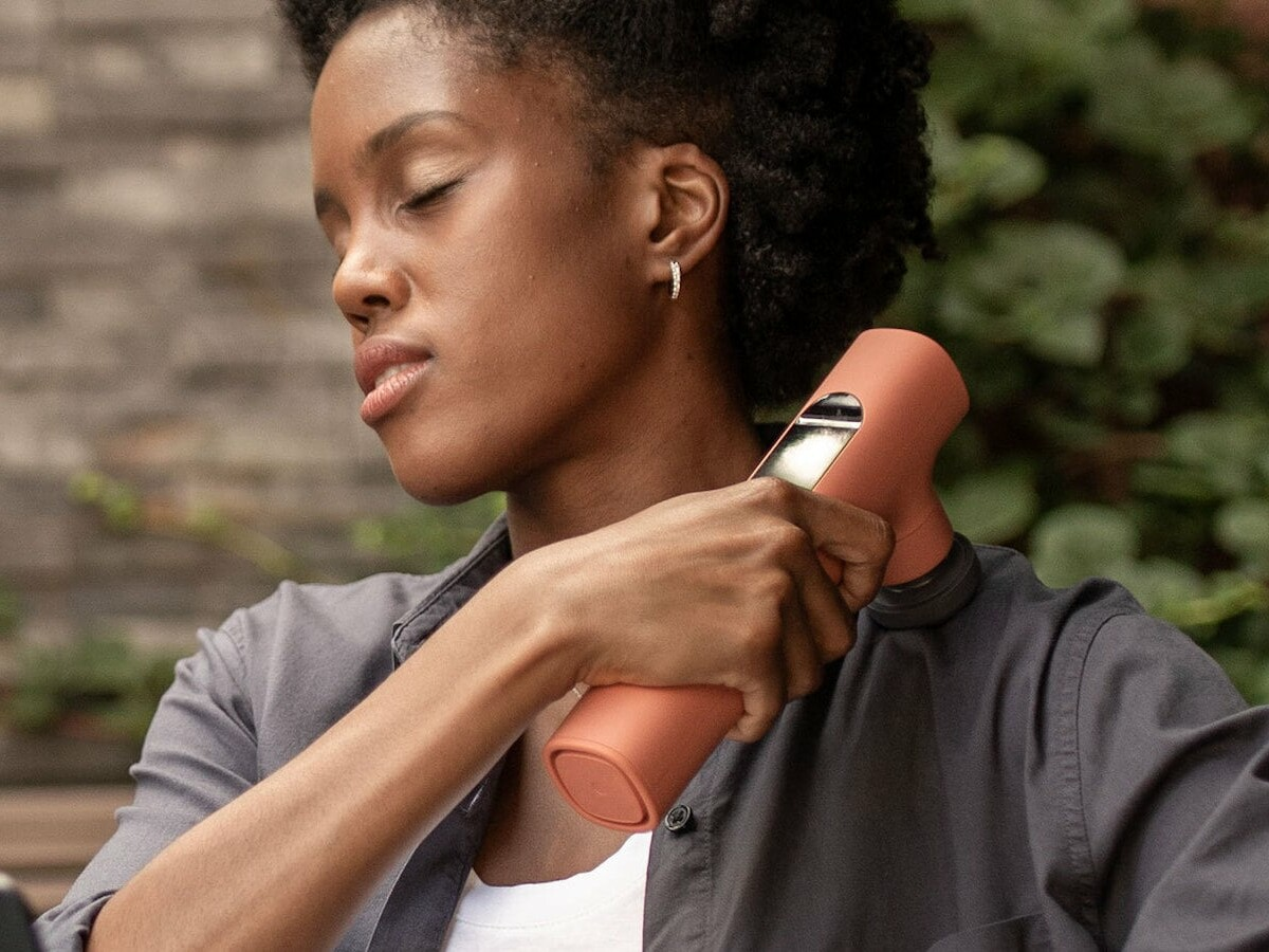 Lyric Vibroacoustic Massager uses direct frequencies to relieve soreness and pain