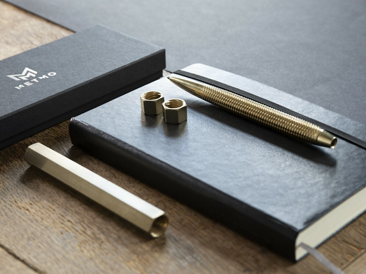 MetMo Pen dual-threaded pen is a precision-machined tool and satisfying fidget toy