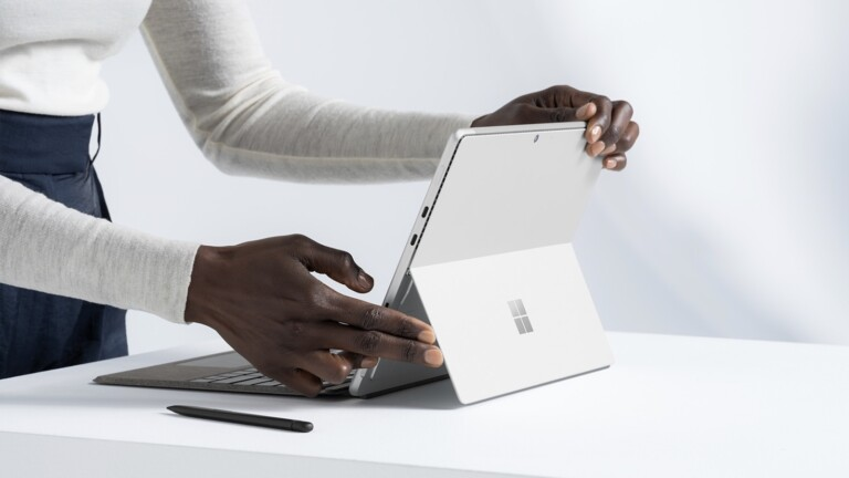 Microsoft Surface Pro 8 2-in-1 laptop has magnetic storage for the Surface Slim Pen 2