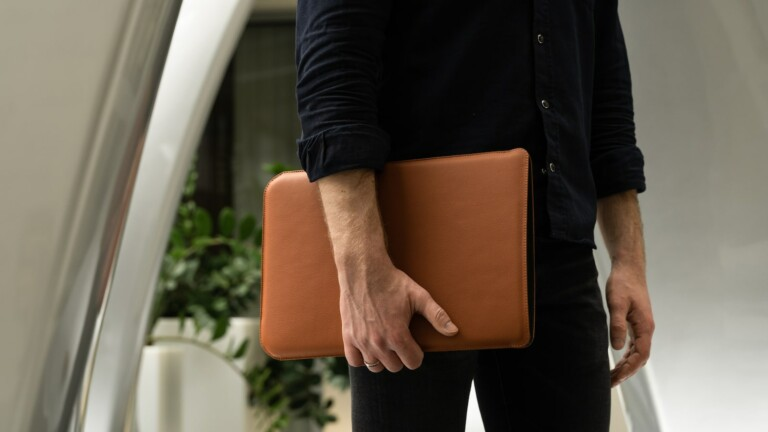 OCULT Leather MacBook Pro Sleeve 15 protects your device and boasts a minimalist design