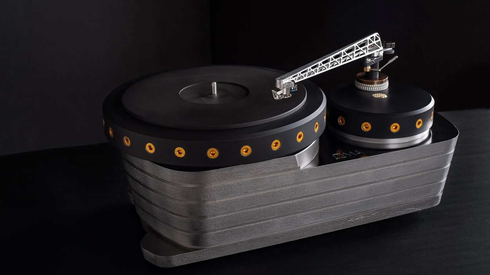 Oswalds-Mill-Audio-K3-Cast-Iron-Turntable-02.jpg