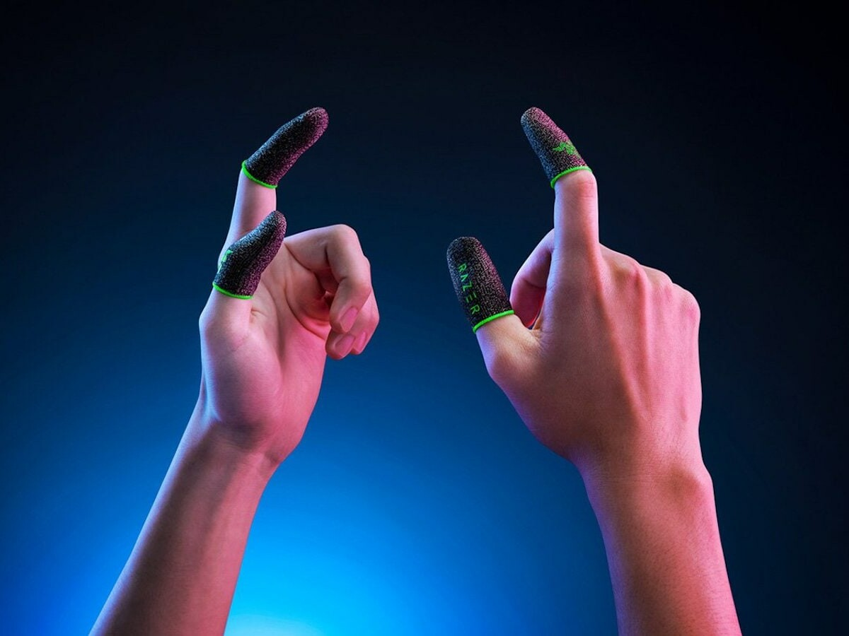 Razer Gaming Finger Sleeve provides enhanced aim and control with a high-sensitivity fabric