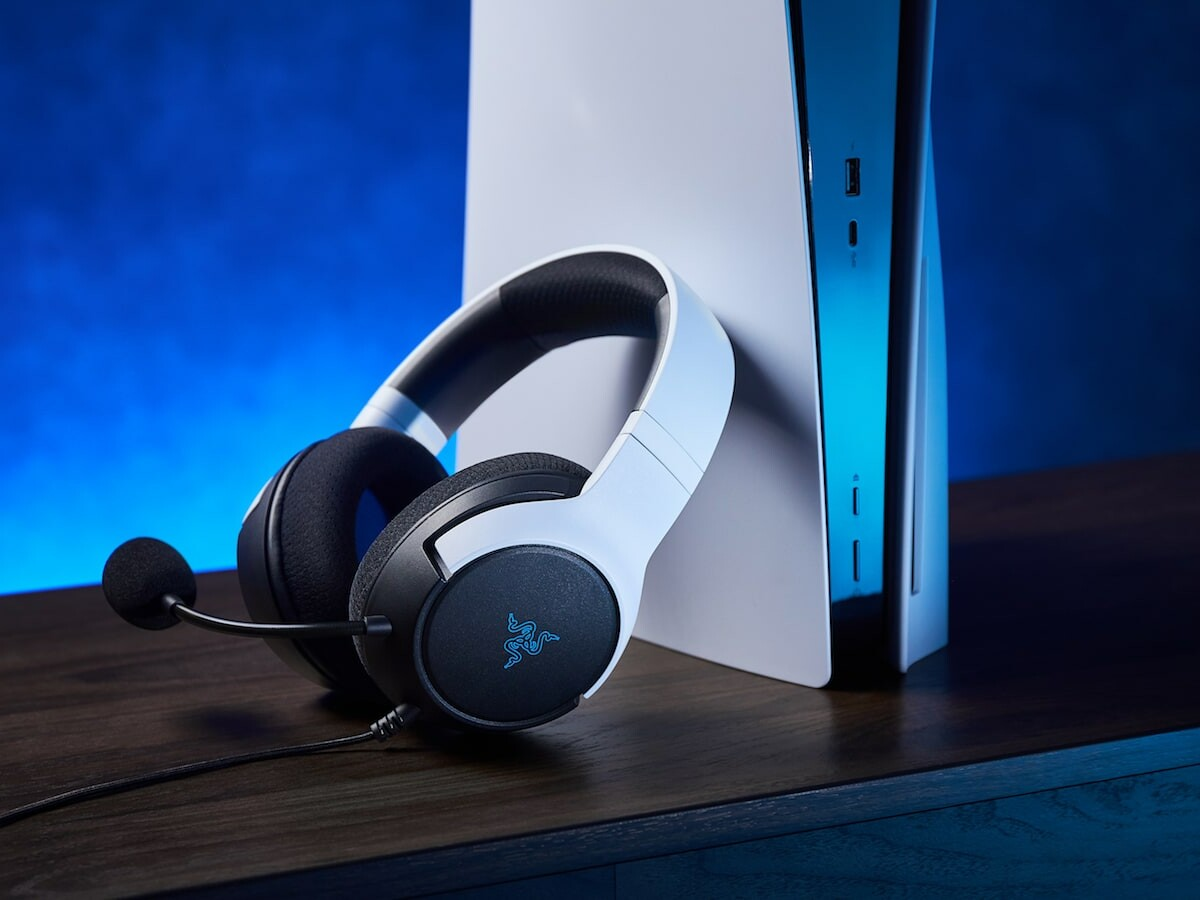 Razer Kaira X for PlayStation gaming headset includes the Razer HyperClear Cardioid mic