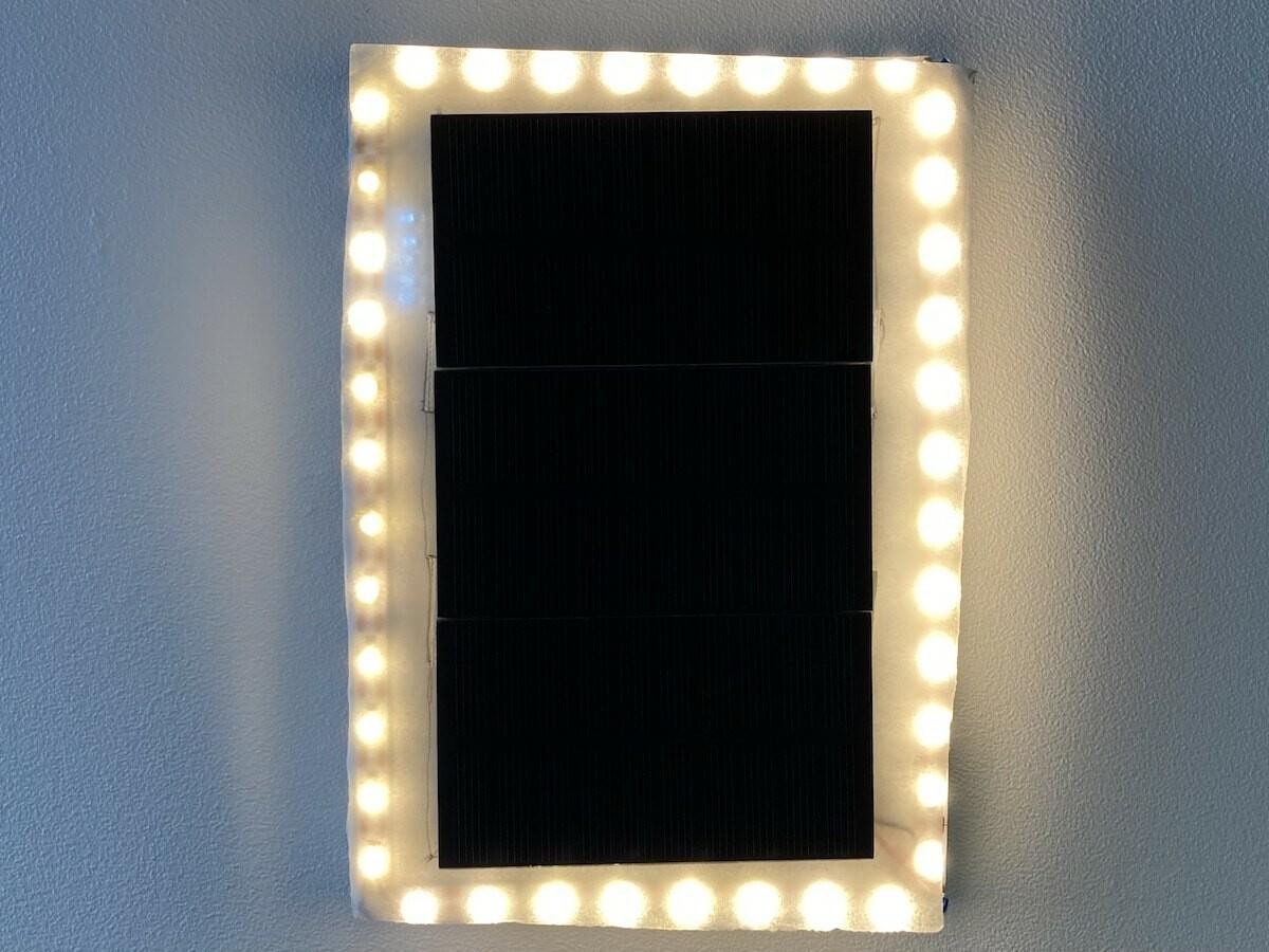 Tetrivis Solar TRVSLR102 Solar-Frame provides 5 hours of full-brightness illumination
