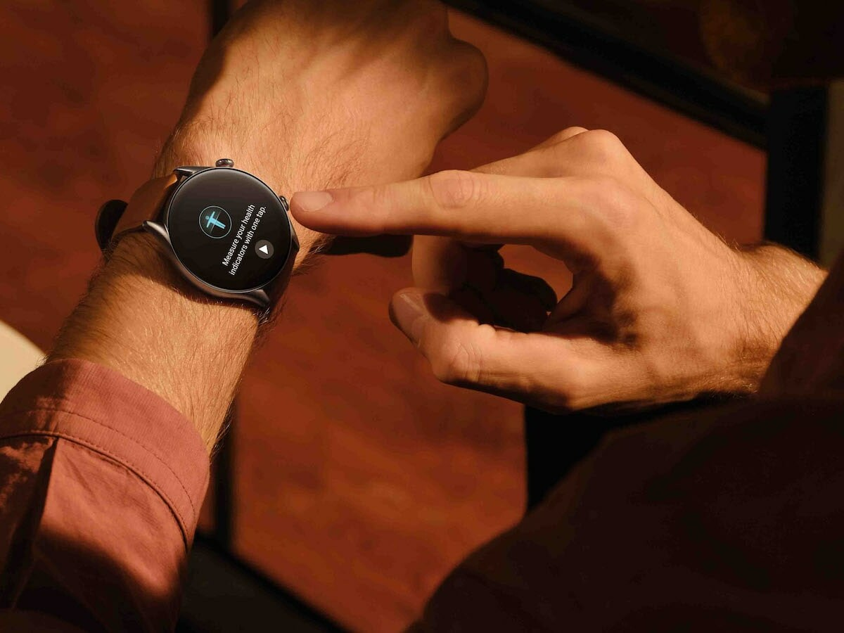 Amazfit GTR 3 Pro health smartwatch features a 12-day battery life and 150+ sports modes
