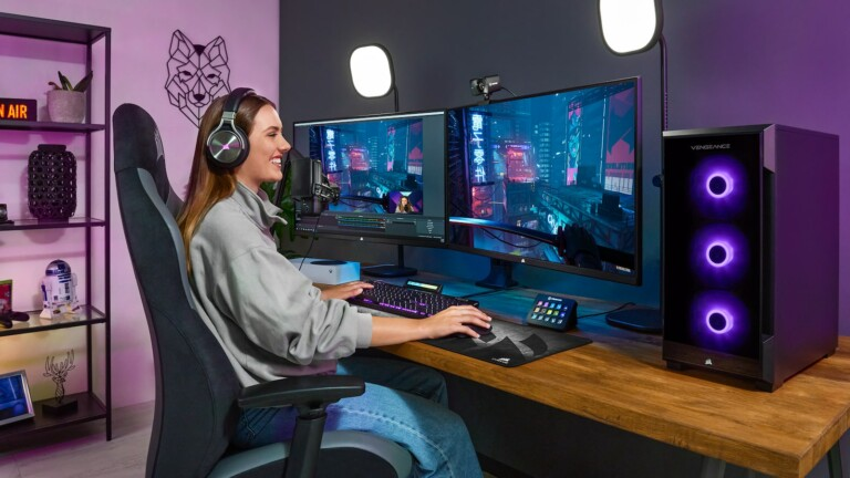 CORSAIR XENEON 32QHD165 gaming monitor features a fast IPS display & a 165 Hz refresh rate